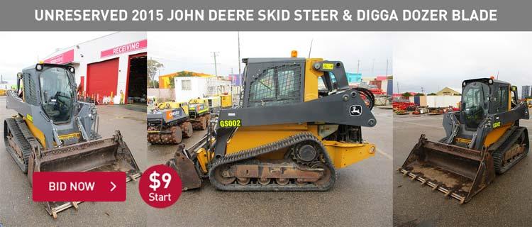 Unreserved 2015 John Deere Skid Steer & Digga Dozer Blade