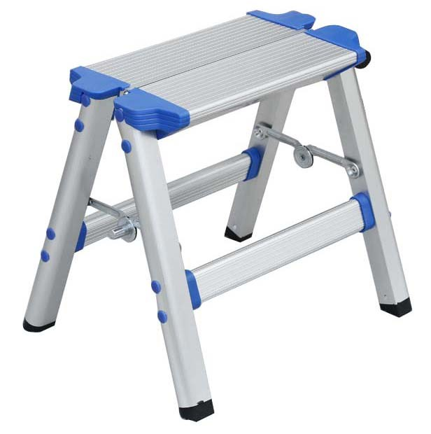 Small Aluminium Step Ladder, Capacity 150kg. Buyers Note - Discount Freight