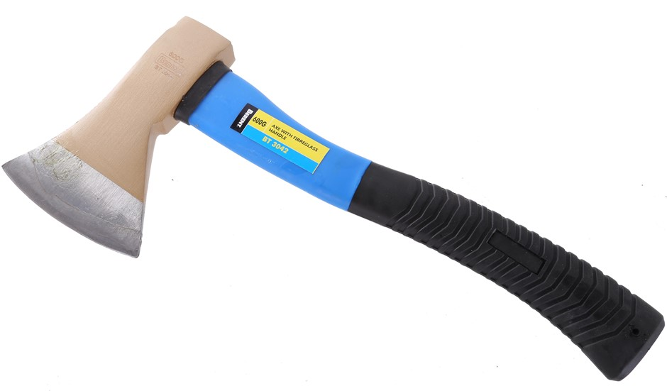 BERENT 600g Short Handle Axe With Rubber Grip Handle. Buyers Note - Discoun