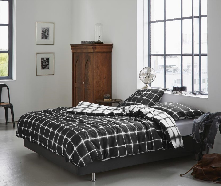 Printed Quilt Cover Set Black/White Check - Queen Size