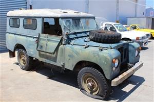 Land Rover 4WD Manual Wagon, 33,367 km i