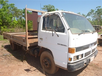 1992 Isuzu NPR59 Tray Top Truck