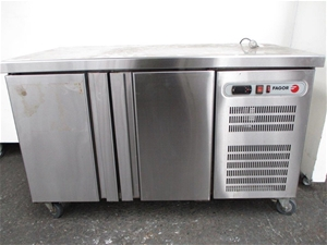 Fagor 2 door stainless steel counter fridge auction 0004 for Stainless steel countertops cost per sq ft