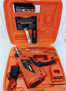 Nail Gun Paslode With Battery Amp Charger Auction 0072