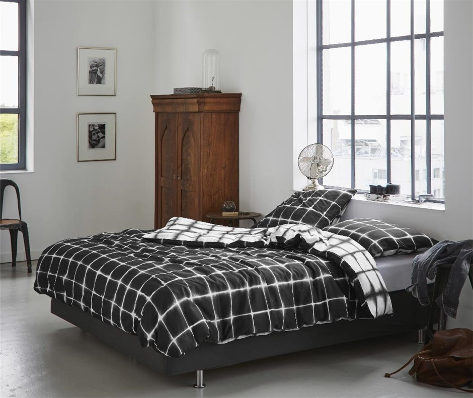 Printed Quilt Cover Set Black/White Check - DOUBLE