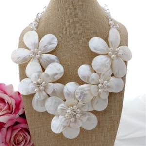 Stunning White Pearl Shell Crystal Flower Statement Necklace