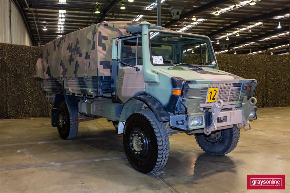 Mercedes Benz Unimog UL1700L Flat Top 4X4 Cargo Truck 02 ...