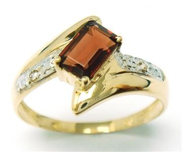 Genuine Diamond & Garnet 9K Yellow Gold Ring.