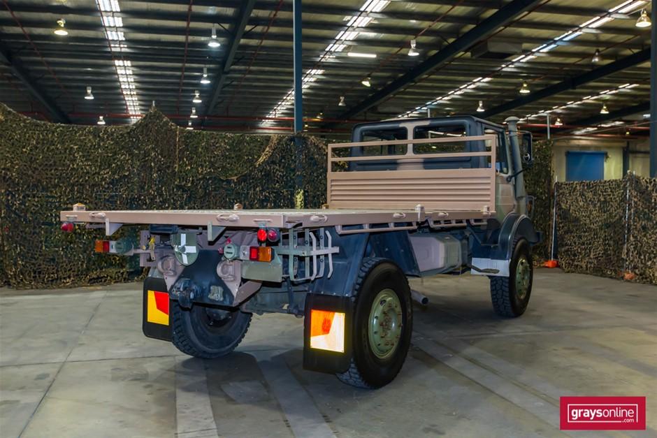 Mercedes Benz Unimog UL1700L Flat Top 4X4 Cargo Truck 11/1983 Auction (0018-5035168) | Grays ...