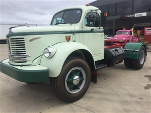 1955 REO B C 2 COMET F22 PRIME MOVER/CAB CHASSIS Make: REO B C