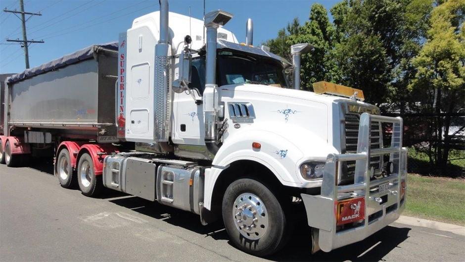 2015 Mack Superliner CLXT 6 x 4 Prime Mover Truck Auction