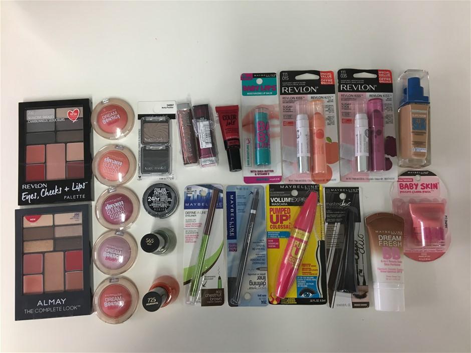 24 Piece Makeup Artist Pack
