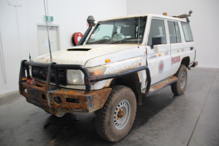 2011 Toyota Landcruiser Workmate (4x4) VDJ76R Turbo Diesel Manual Wagon