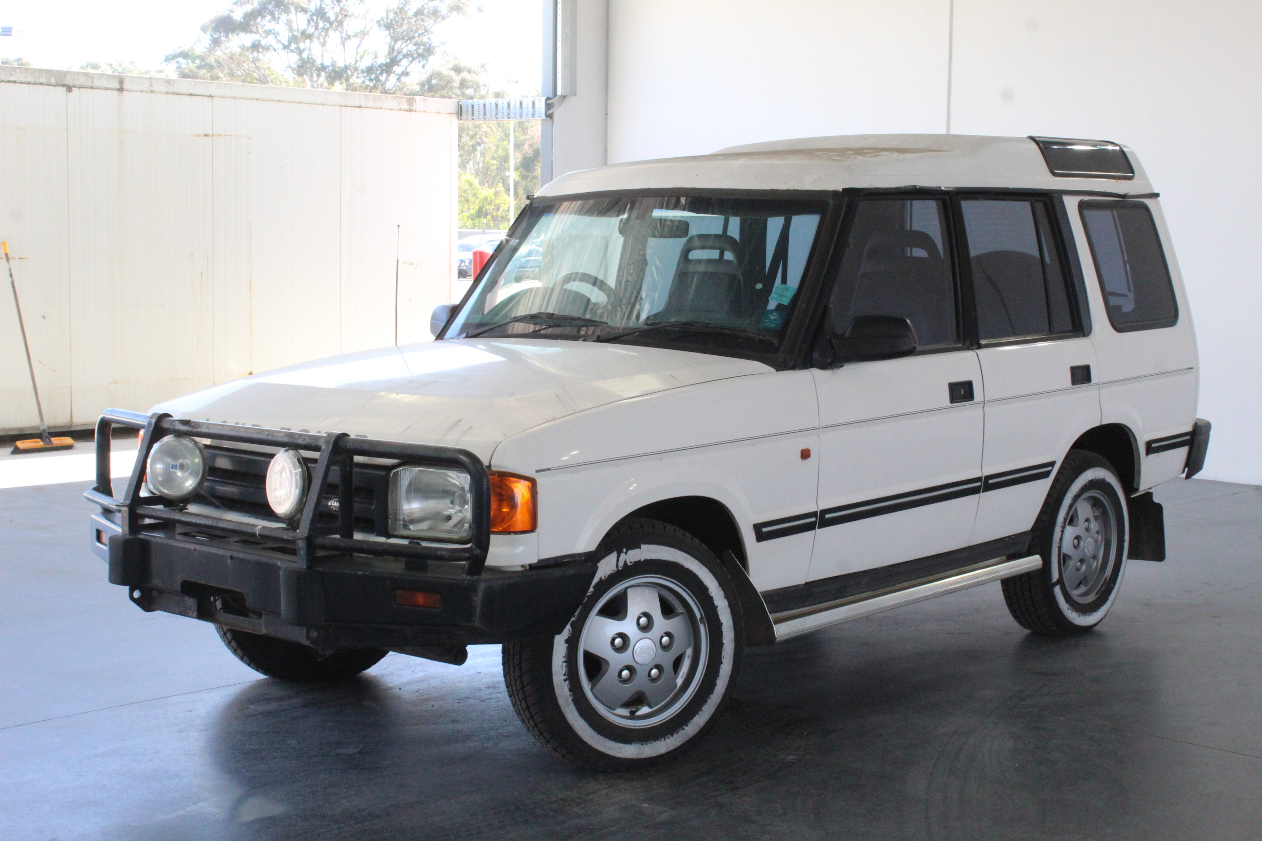 1996 Land Rover Discovery V8i (4x4) Manual Wagon