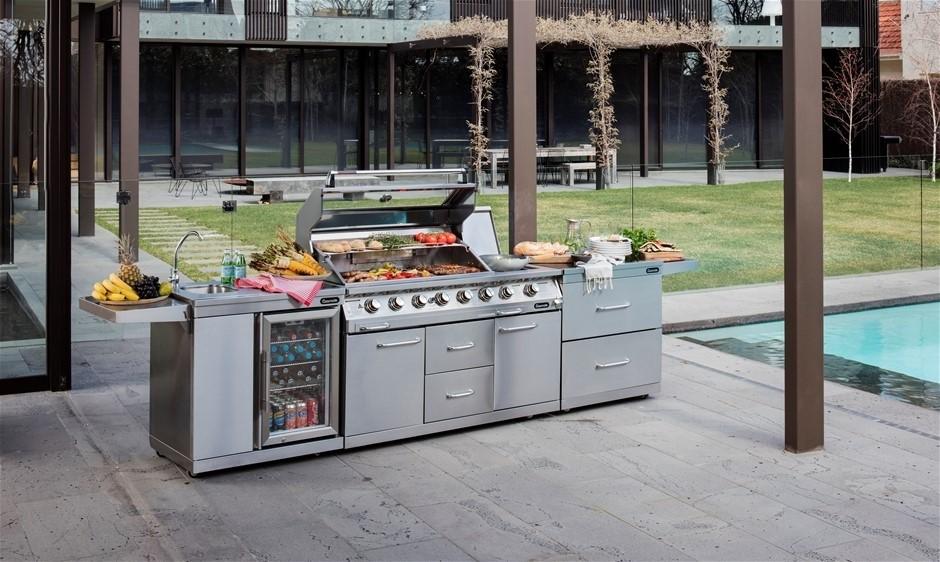 New Gasmate Platinum Professional 6 Burner Outdoor Kitchen