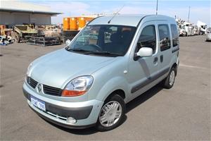 2006 Renault Kangoo Automatic Van with Wheelchair Lift