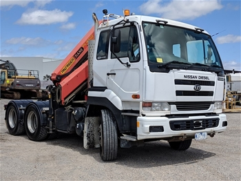 2007 NISSAN UD CW385 6X4 PRIME MOVER