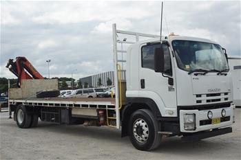 2011 Isuzu FVD 100 Long 4 x 2 Crane Truck