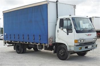 1995 Hino Merlin 4 x 2 Curtainsider Rigid Truck