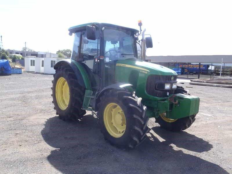 John Deere 5080R FWA Tractor: 2012 Model