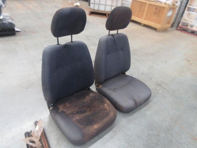 2 x Kab Seating Seats