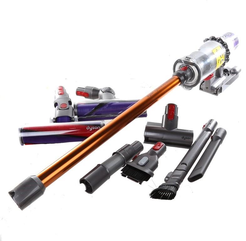DYSON Cyclone V10 Absolute+ Hand Stick Vacuum & Accessories. N.B. Has had u