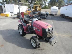 Shibaura ST321 Tractor