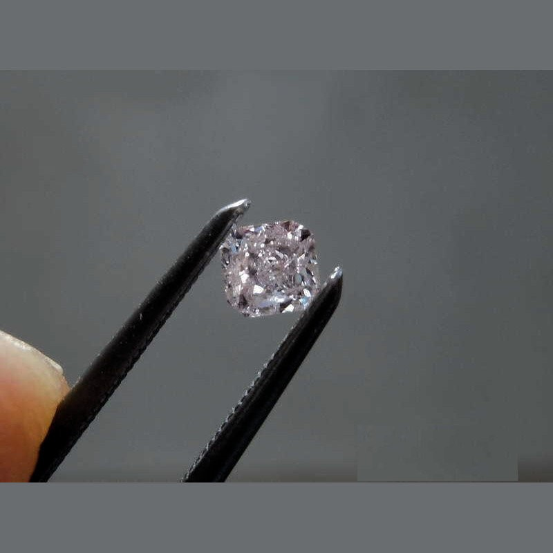 One Loose Pink Diamond 0.20ct in Total