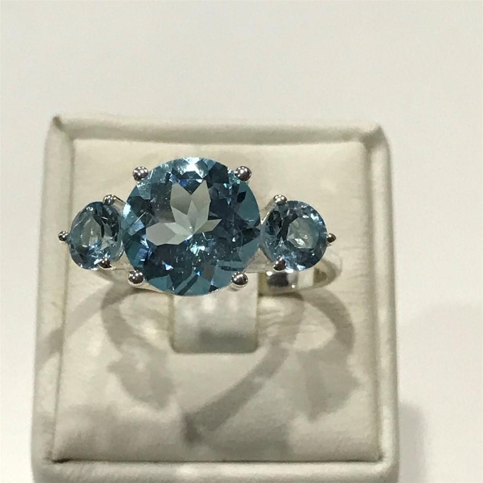 Stunning 6.80ct Blue Topaz Ring Size P 1/2 (8)