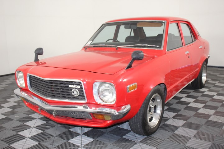 1976 Mazda 808 Deluxe Grand Familia Sedan