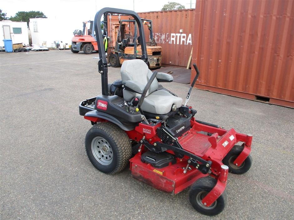 201 Toro 6000 Series Zero Turn Mower