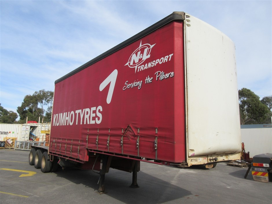 2004 Maxitrans ST3 Tri Axle 'A' Section Drop Deck Curtainsider Trailer