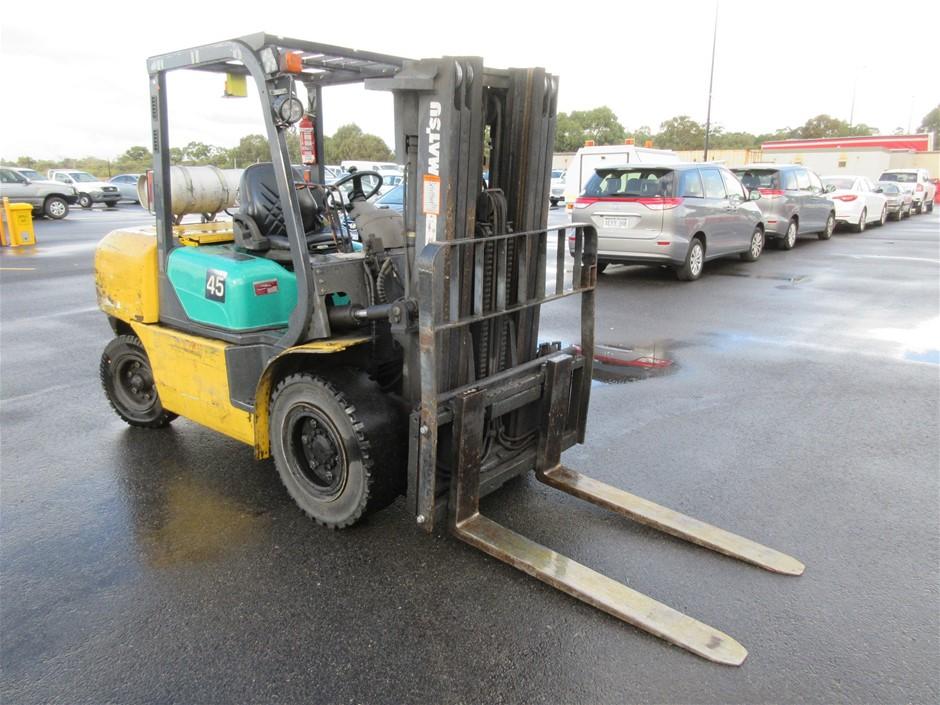 2004 Komatsu FG45T-7 4 Wheel Counterbalance Forklift