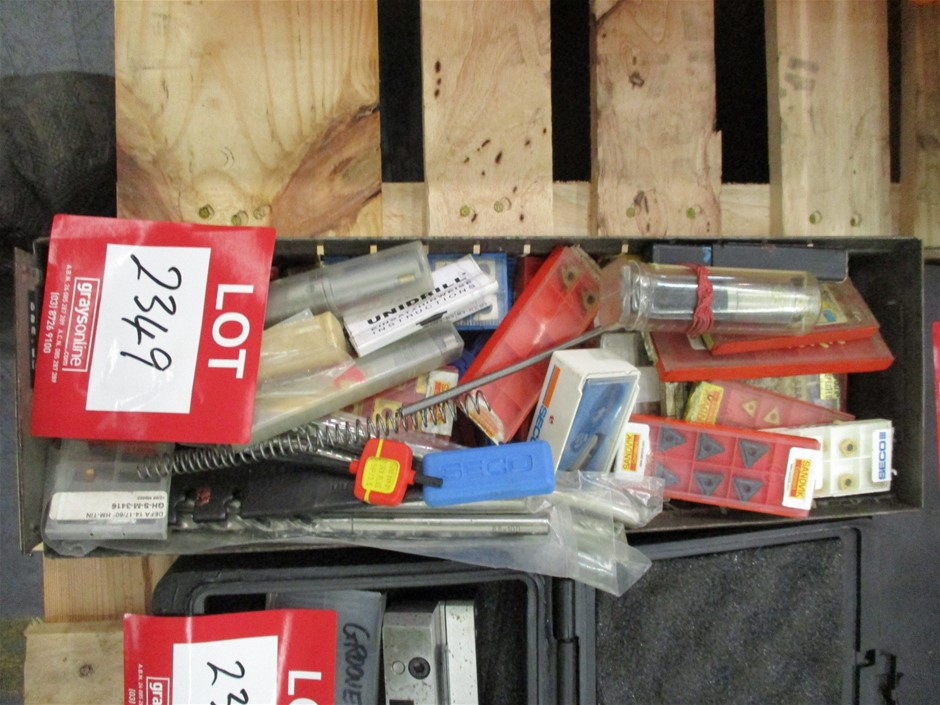 Quantity of Assorted Cutting Tips
