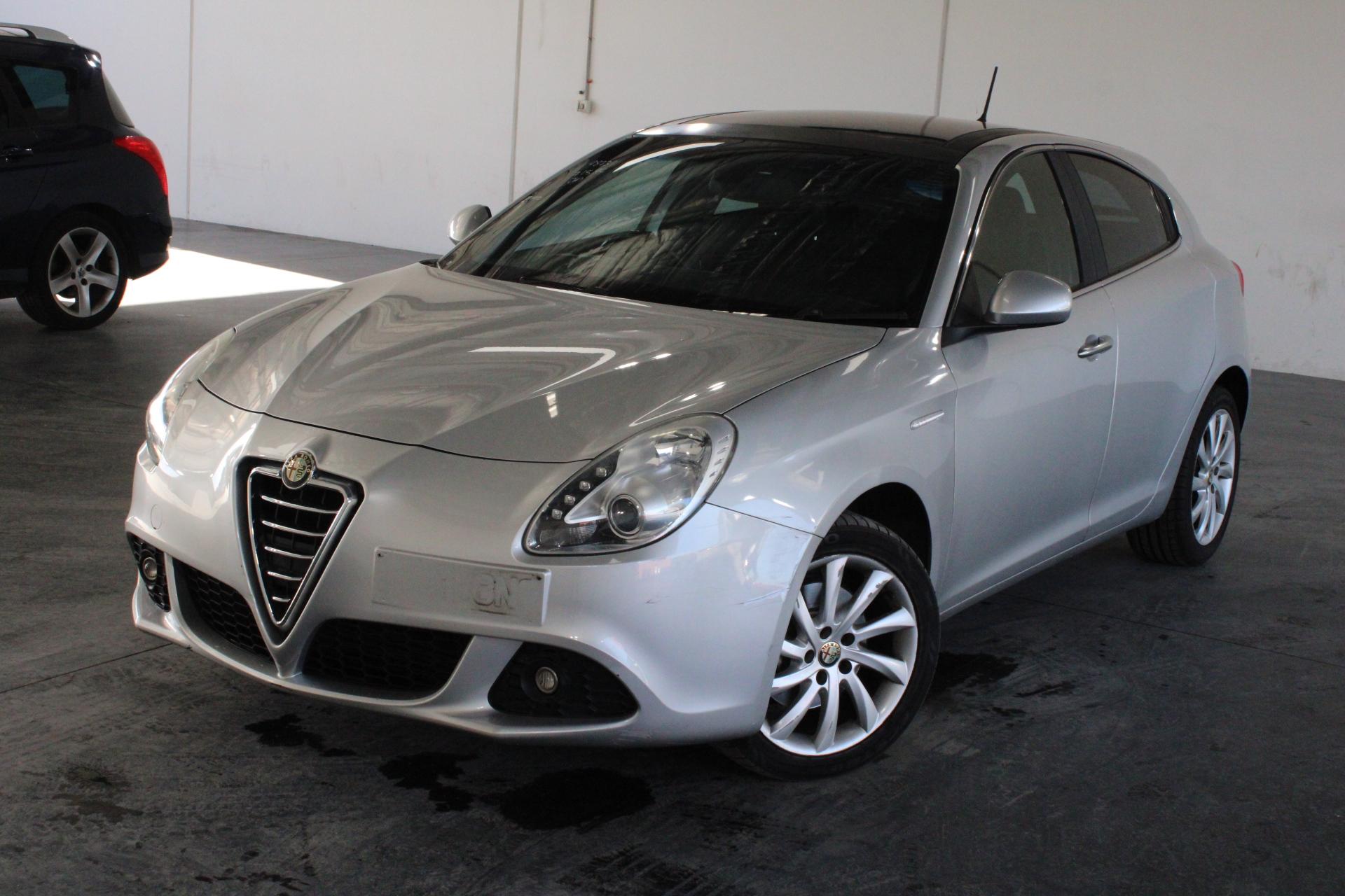 2013 Alfa Romeo Giulietta DISTINCTIVE Auto Hatchback