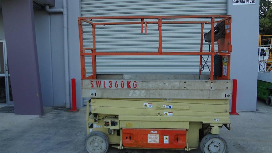 JLG 2030ES Narrow electric scissor lift - large capacity lift
