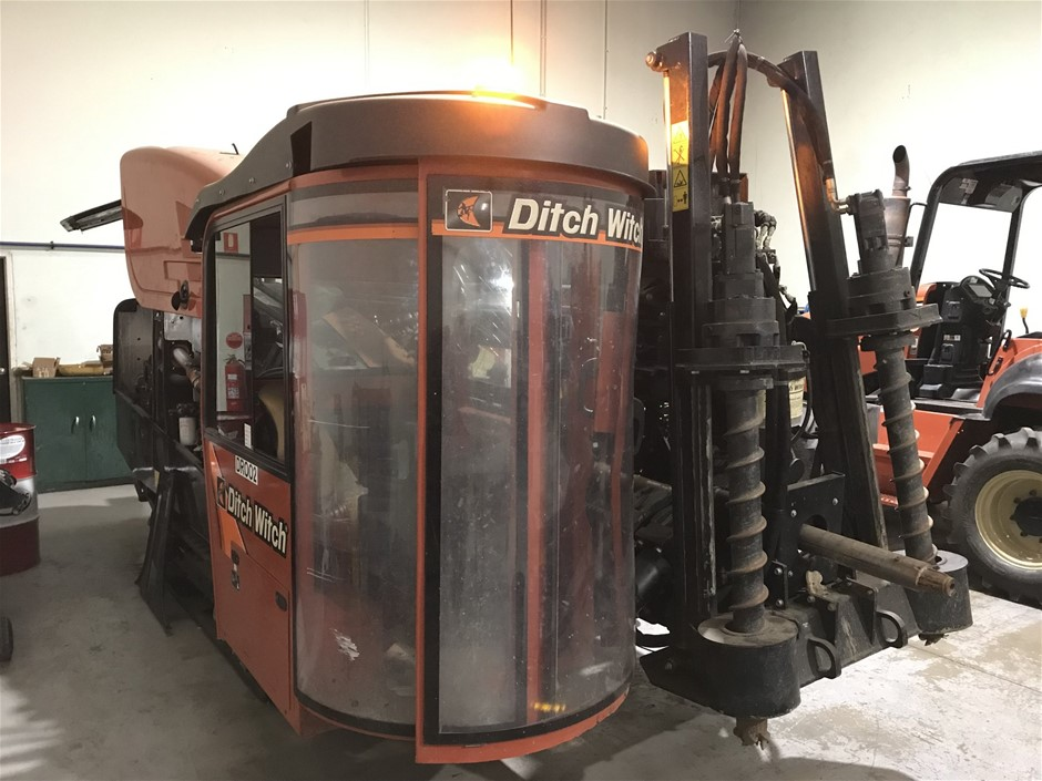 Damaged - 2017 Ditch Witch A/T Directional Drill