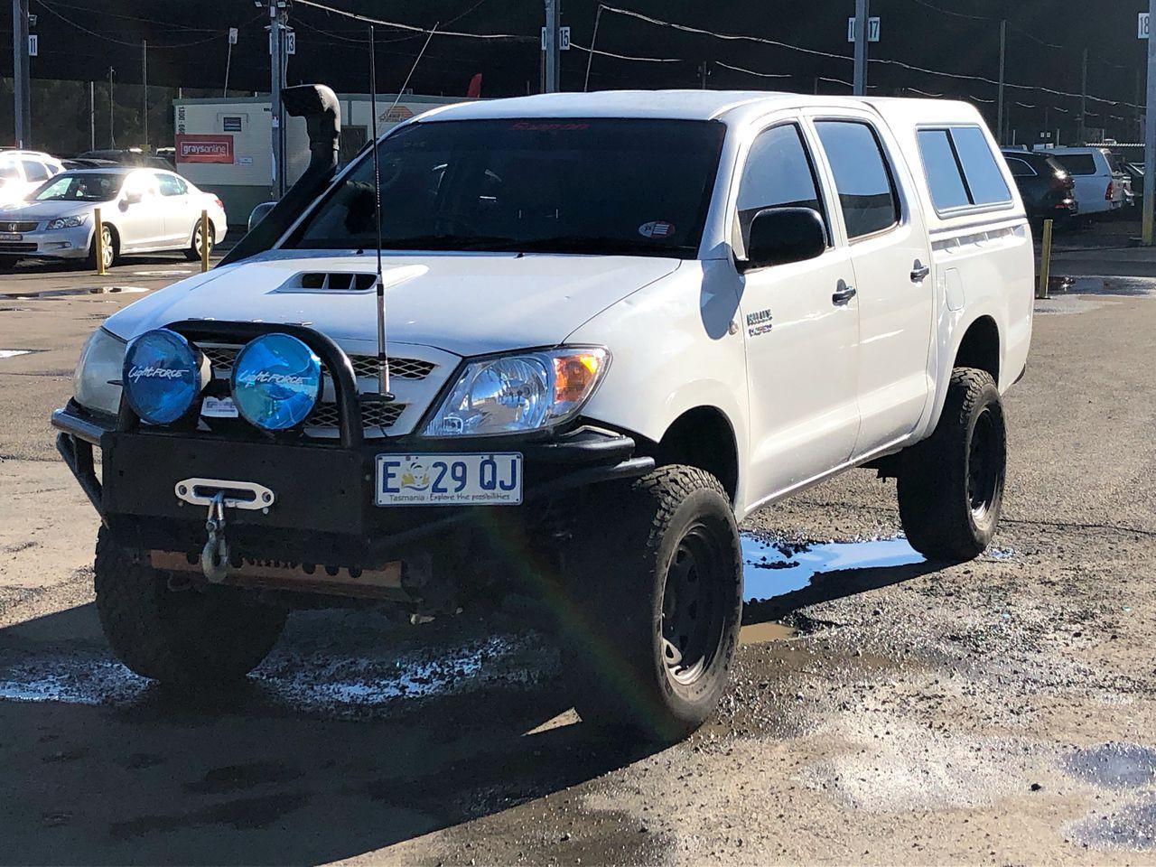Toyota Hilux SR (4x4) KUN26R Turbo Diesel Manual Dual Cab