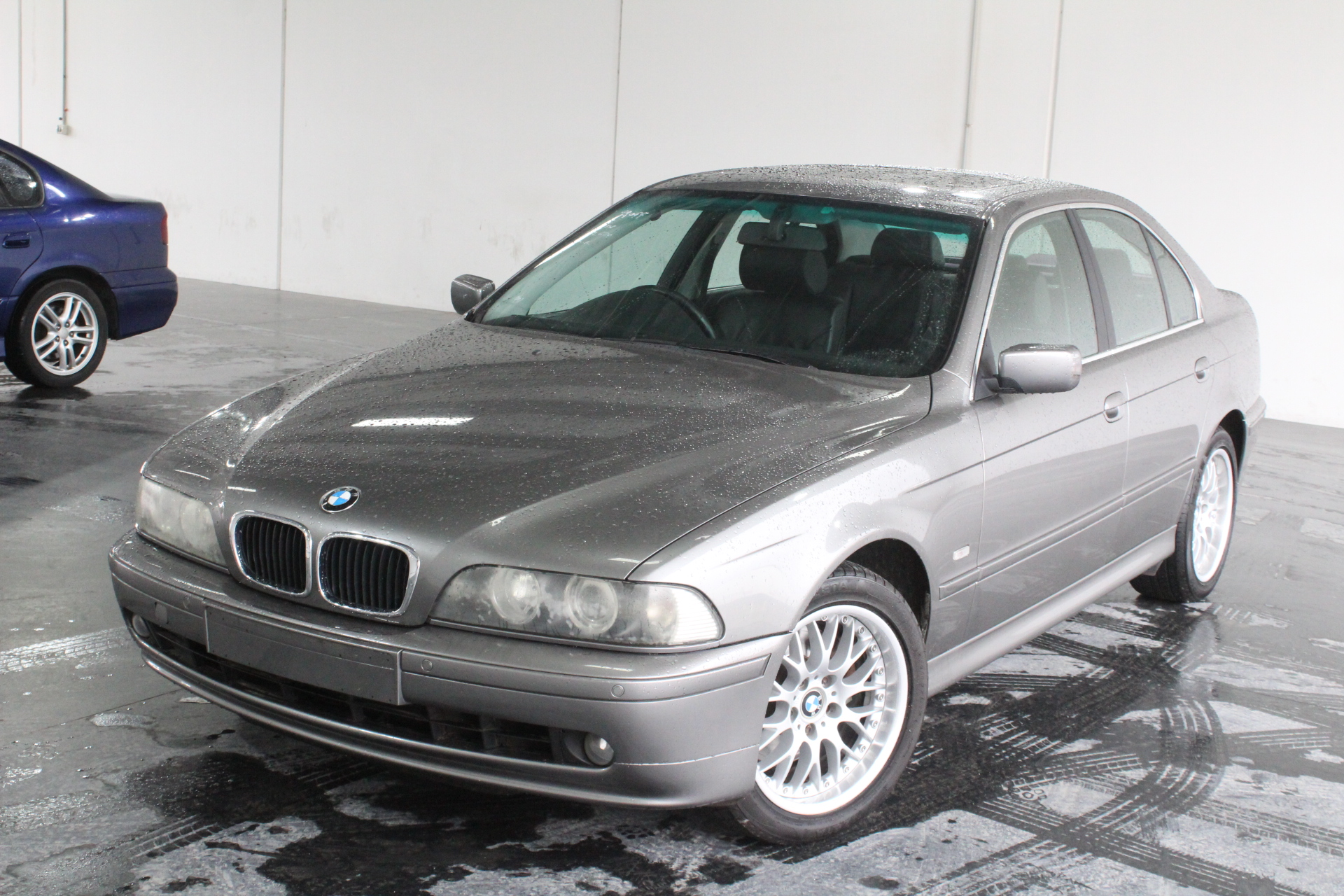 2002 BMW 5 30i Executive E39 Automatic Sedan