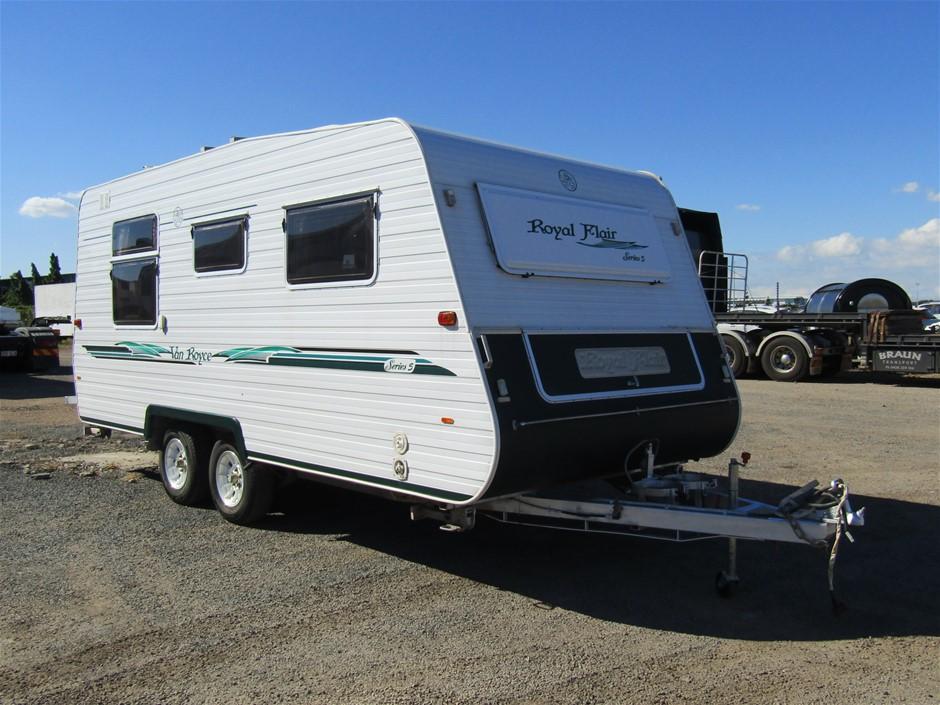 2005 Royal Flair Vance Royce Series 5 Caravan