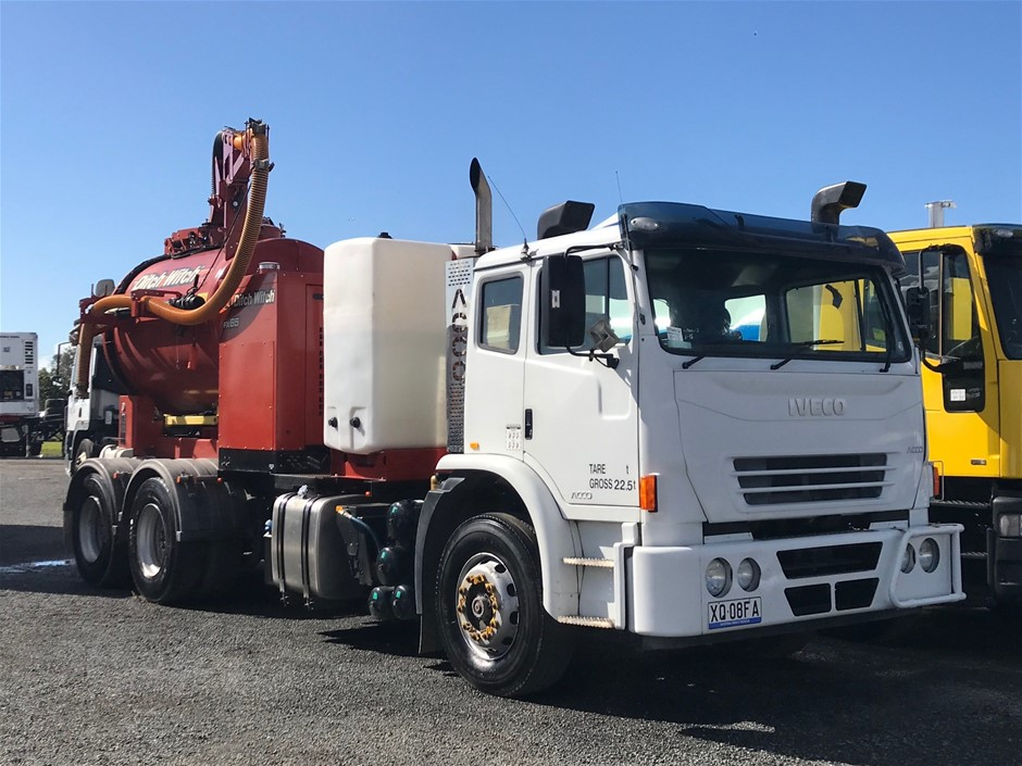 2011 Iveco Acco 6 x 4 Vacuum Truck with Ditch Witch 4,600L Vacuum Unit