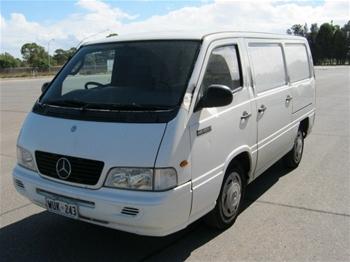 Mercedes benz mb100d van 2002 for Mercedes benz mb100d