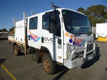 2008 Isuzu 300 4x4 Service Truck