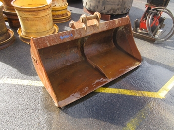 Earthmoving Tyres, Excavator Buckets & Civil Equip