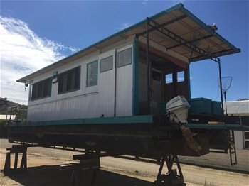 House Boat, Trailer & Industrial Yard Clearance