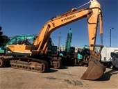 2011 Hyundai 380LC-9 & 2011 Kobelco SK135SR Excavators
