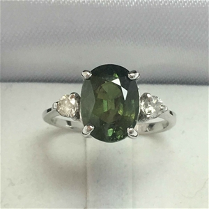 18ct White Gold, 3.84ct Green Sapphire a