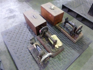 Qty 3 x Antique Sewing Machines (Pooraka