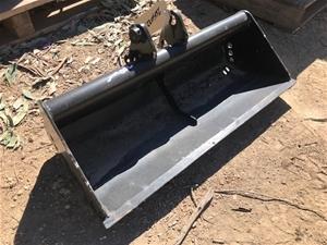 Excavator Bucket -700mm