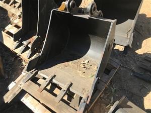 CAT Excavator Bucket - 600mm